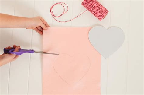 Instructions For Making A Valentine's Day Heart Garland