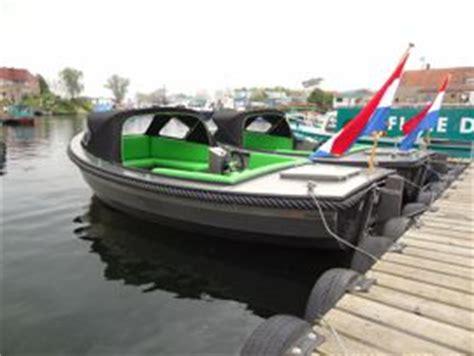 Bootje Drimmelen by Speigelsloep Huren In Drimmelen Noord Brabant