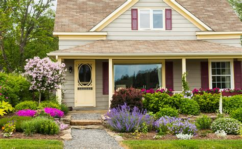 4 Tips For Curb Appeal Landscaping  Iowa City Real Estate