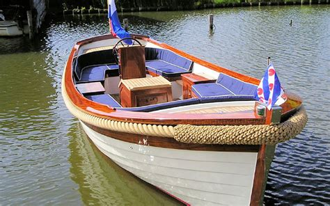 Goedkope Polyester Sloep by Motorboot Huren Verhuur Nl