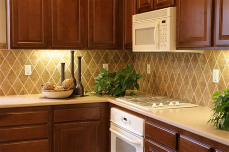 Cheap Ideas To Fix And Decorate Your Backsplash Tiles