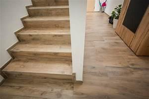 Treppen Fliesen Holzoptik : fliesenverlegung auf stiegen bzw treppen eberl leogang ~ Markanthonyermac.com Haus und Dekorationen