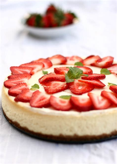 strawberry cheese cake strawberry cheesecake recipe easy dessert recipes