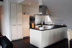 Schwarze Hochglanz Küche : k che in wei hochglanz ~ Markanthonyermac.com Haus und Dekorationen