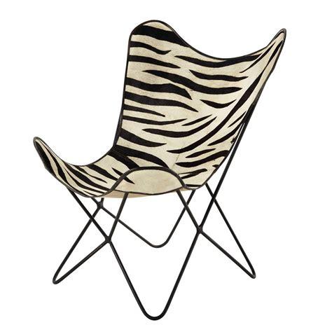 fauteuil en peau de vache z 233 br 233 e noir blanc zebra maisons du monde