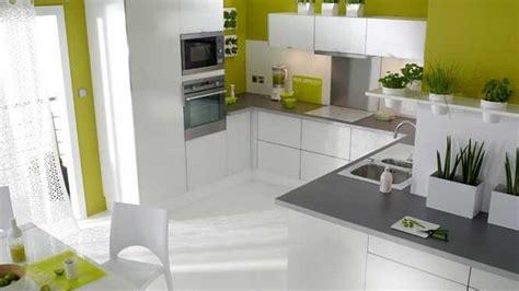 attrayant cuisine blanche mur taupe 1 indogate cuisine moderne wordmark