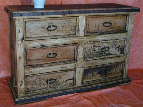 Distressed White Wood Bedroom Furniture