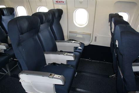 How to Sleep on Redeye Flights   TravelSort