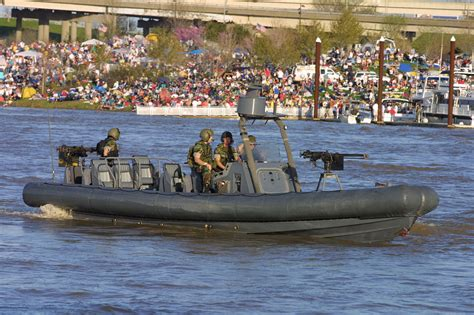 Inflatable Boats Hull by File Rigid Hull Inflatable Boat Jpg Wikimedia Commons