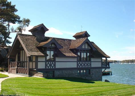 Living On A Boat Full Time Uk by You Ll Have A Blast Luxury Connecticut Island That Comes