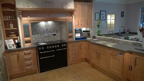 Ex Display Kitchens Leicester  Dewhirst Kitchens