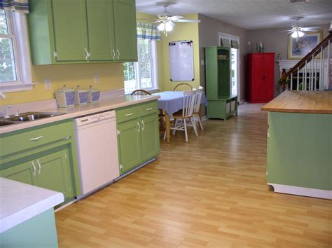 Does Painting Kitchen Cabinets Hurt Resale? (appraise Short Benches Bench Press Stands Grey Velvet Brown Cushion Dining Room Table Set With Small Outdoor Indoor Seating Faux Bois Garden