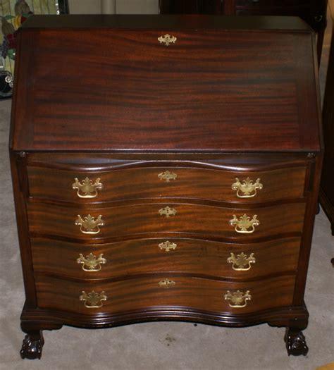governor winthrop mahogany antique desk
