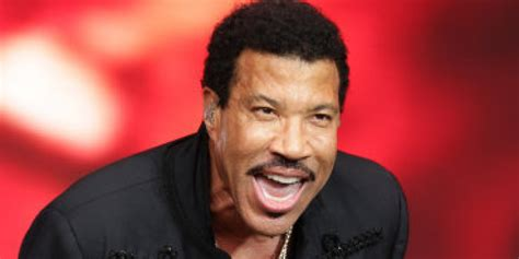 Lionel Richie Lights Up The Riverside With A World