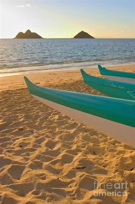 Canoes Beach Oahu by Oahu Outrigger Canoes Photograph By Tomas Del Amo