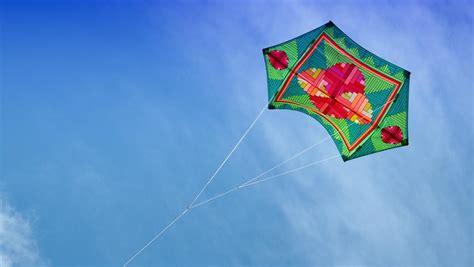 un tour du monde du cerf volant au fil du vent et de l histoire culture rfi
