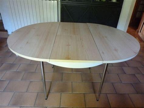 table de cuisine ronde cuisinebut1 dossier les petites cuisines a vendre set de