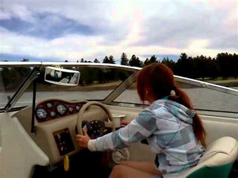 Boat Driving Youtube by 12 Year Old Girl Driving Boat Youtube