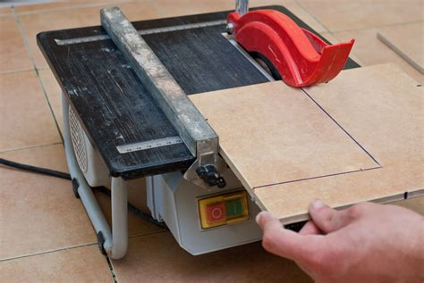 how to cut tiles with a saw howtospecialist how to build step by step diy plans