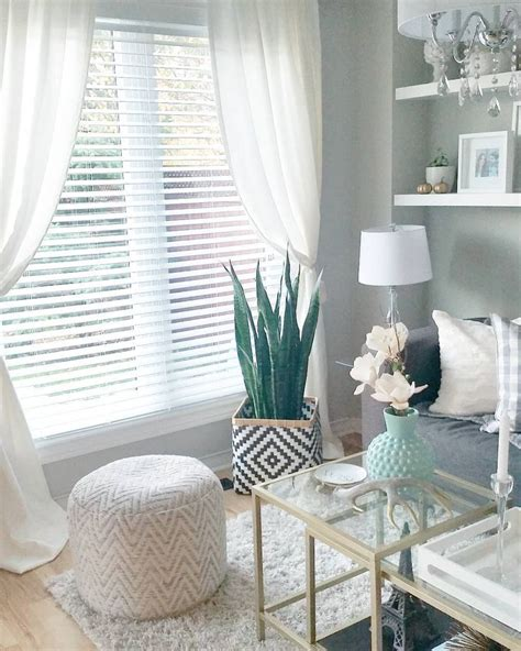 17 best ideas about blinds curtains on living room blinds window blinds and white