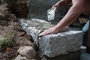 Mauer Bauen Lassen Kosten : gartenmauer bauen diese kosten entstehen ~ Markanthonyermac.com Haus und Dekorationen