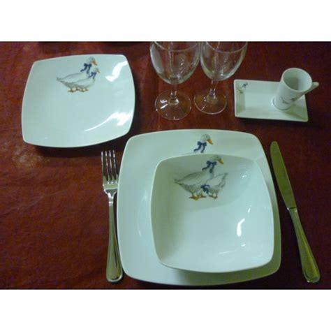 assiette a dessert carr 233 e decor oies en porcelaine centre vaisselle sarl la porcelaine