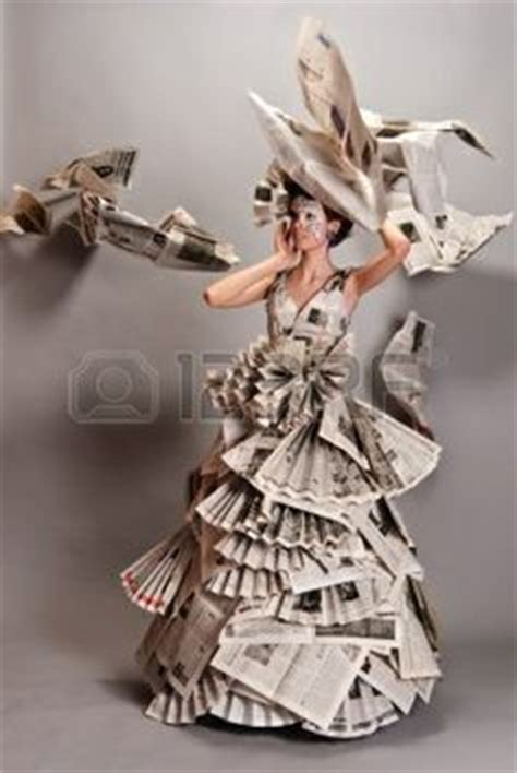 bruidsjurken papier on paper dresses newspaper dress and robes