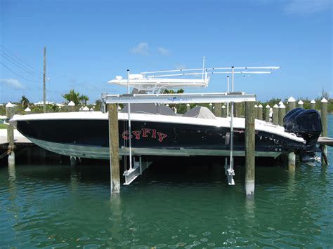 Boat Lift In Spanish complete marine services spanish wells bahamas