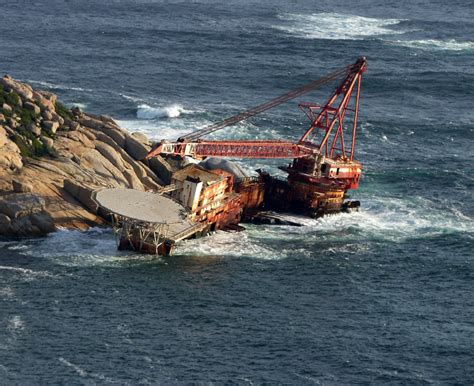 German U Boats Long Island Sound by Grua Flotante Boss 400