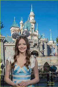 Mackenzie Foy Surprises Disney Park Guests With Sneak Peek ...