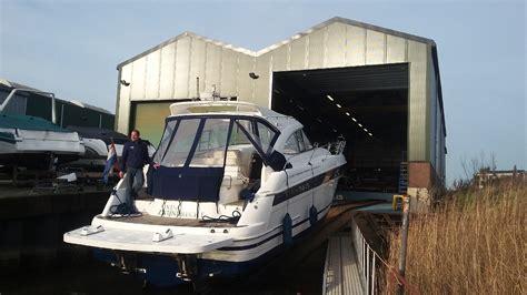 Buitenboordmotor Reparatie by Onderhoud Reparatie Aan Boot Buitenboordmotor En