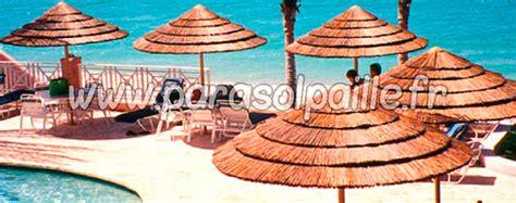 parasols en paille