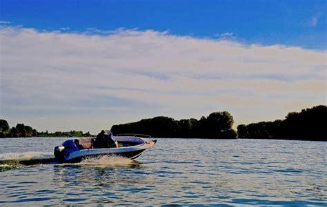 Motorboot Fahren Frau by Motorboot Fahren In Ginsheim Gustavsburg Als Geschenkidee