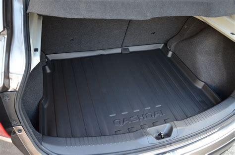 Qashqai Rubber Boot Mat by みんカラ 自動車メーカー純正 Genuine Nissan Qashqai Soft Rubber Boot
