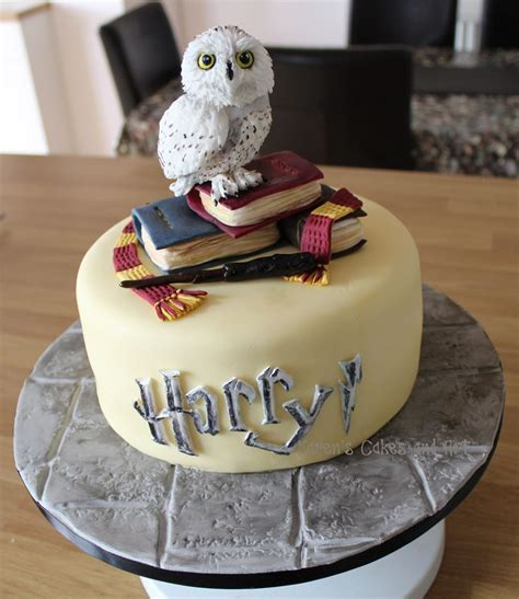 harry potter cake 25 best ideas about harry potter cakes on