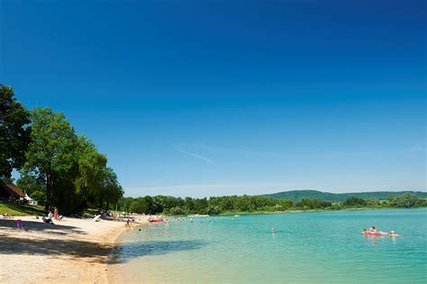 le lac de chalain dans le jura tourisme en franche comte