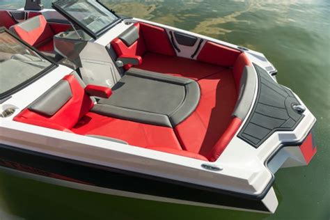 Heyday Wake Boats Price by Heyday Wake Boats 2018 Reviews Performance Compare Price