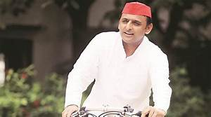 More setback to Samajwadi Party, two more MLCs quit