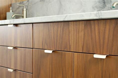 bathroom reno update mid century modern inspired cabinet pulls dans le lakehouse
