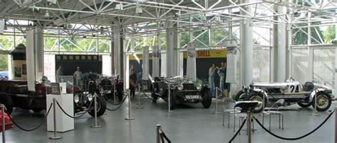 Fahrzeugseitende  Museen  Bad Homburg Museum Central Garage