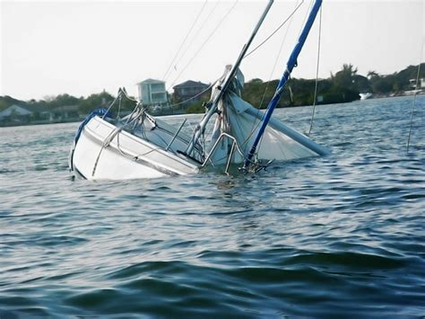 Pictures Of Sinking Boats sinking boat funny images