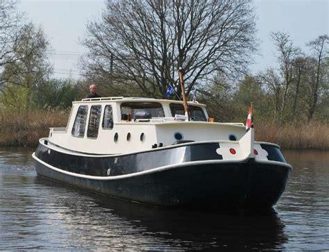 Verhuur Motorjacht by Yachtcharter Yachtrental Comfortabele En Stabiele