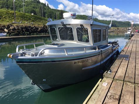 Cabin Cruiser Fishing Boat For Sale by New Year Special 26 Swiftsure Cabin Cruiser Fully