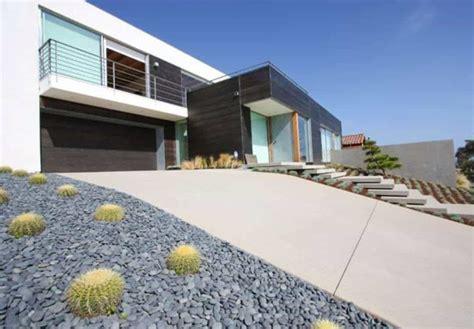 Front Yard Driveway Designs