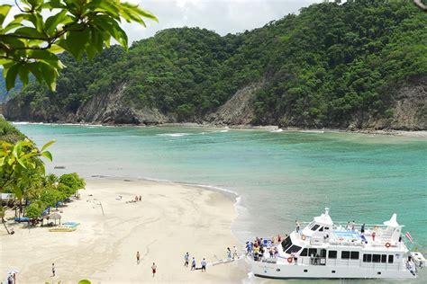 Catamaran Para Isla Tortuga by Bay Island Cruises Homepage