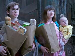 'A Series of Unfortunate Events' parents in Netflix show ...