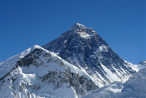 mount everest pictures facts climbing information