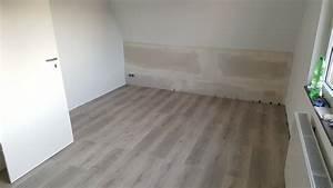 Dachboden Fußboden Verlegen : das schlafzimmer fu boden ~ Markanthonyermac.com Haus und Dekorationen