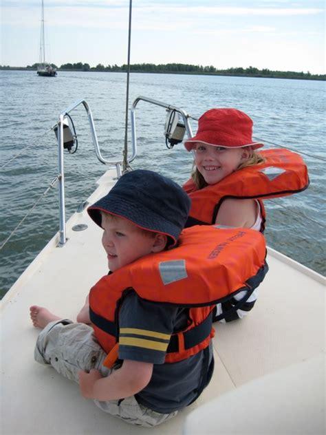 Reddingsvest Controleren by Nieuws Van Kids Watersport Online Reddingsvesten En