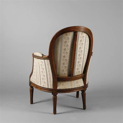 berg 232 re et fauteuil cabriolet en bois naturel style louis xvi milieu du xxe si 232 cle